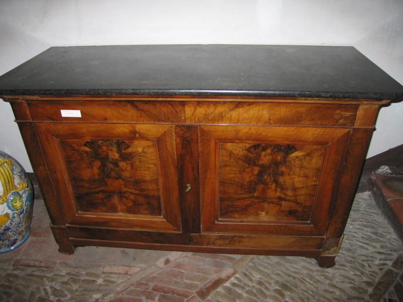 Credenza Con Piano In Marmo : Credenza in noce con piano marmo credenze vendita restauro